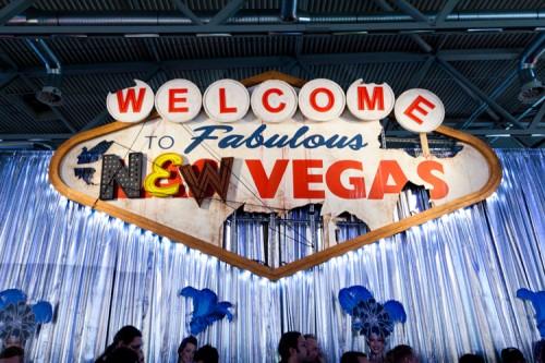 Schild, auf dem 'Welcome to fabulous New Vegas' steht